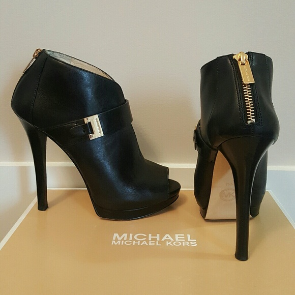 Michael Kors Shoes - Michael Kors peep toe booties